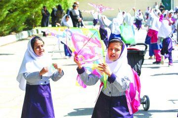 بادبادکهای کودکان اصفهان بر فراز آسمان