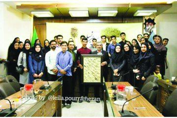 گفتوگوی بیننسلی با حضور یکی از چهرههای سیاسی استان