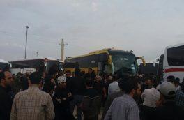 شب سخت زائران در مرز مهران/ سودجویی رانندگان اتوبوس و بی تدبیری مسئولان