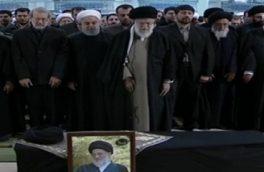 رهبر معظم انقلاب بر پیکر آیتالله هاشمی شاهرودی اقامه نماز کردند