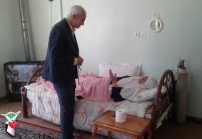 """رییس بنیاد فریدونشهر از مادر شهید """"موسوی"""" عیادت کرد"""
