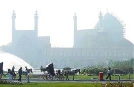 اصفهان روز سه شنبه با غبار صبحگاهی