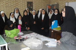 بازدید دانش آموزان از کارگاههای مهارتی مرکز آموزش فنی و حرفهای نائین