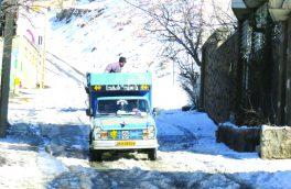 برف روبی و نمک پاشی معابر و خیابانهای سطح شهر خوانسار