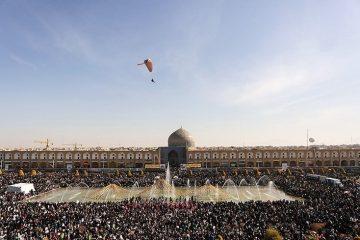 آغاز راهپیمایی دشمنشکن ۲۲ بهمن در استان اصفهان؛ نمایش «اتحاد و همبستگی» ایرانیان در نصف جهان