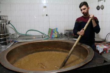 نگاهی به آیین سنتی سمنوپزان در اصفهان+ تصاویر