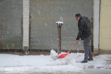 بارش ۲۳ سانتیمتری برف در بویین میاندشت