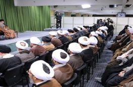 ملتهای سرخورده از تمدنهای مادی غرب و شرق نگاهشان به جمهوری اسلامی است/ حرکتتان انقلابی باشد