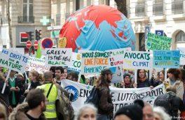 """حضور هزاران طرفدار محیط زیست در """"راهپیمایی قرنِ"""" پاریس"""