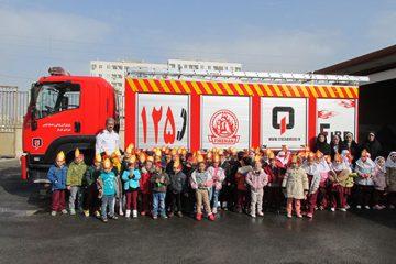 آموزش آتش نشانی به بیش از ۱۲۰۰ نفر دربهمن ماه