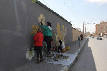 فرا رسیدن سال نو و اجرای عملیات زیبا سازی دیوارهای سطح شهر فلاورجان
