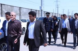 جابجایی کالاهای موجود در بندر امام خمینی(ره) با همکاری بخش خصوصی