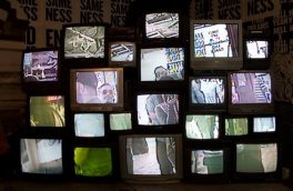 خط خوردگی در تلویزیون آنهم به دلیل ناشیگری