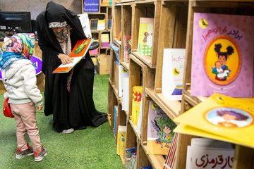 بررسی بخش کودک نمایشگاه کتاب؛ از پیشنهاد تلفیق ناشران متوسط تا بیان بیعدالتیها