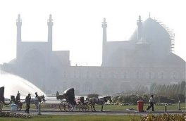گرد و خاک تا فردا مهمان اصفهان است