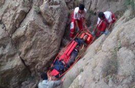 نجات کوهنورد گرفتار در ارتفاعات غرب اصفهان توسط نجاتگران فریدونشهر