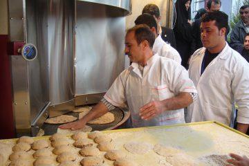 سهمیه آرد نانواییهای متخلف کاهش مییابد