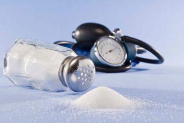مصرف «نمک» چگونه باعث افزایش فشار خون می شود؟ + توصیه های پزشکی