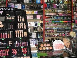 ممنوعیت واردات کلیه لوازم آرایشی و بهداشتی به غیراز عطریات