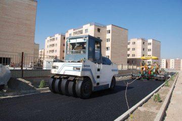 آغاز آسفالت خیابانهای اصلی فاز ۲ و ۳ در شهر بهارستان