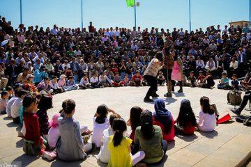 ۱۰ پژوهش و ۶۱ طرح و ایده به جشنواره تئاتر خیابانی مریوان رسید