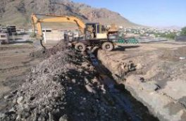 حفره چاه و زهکشی محوطه آبفا منطقه فریدونشهر