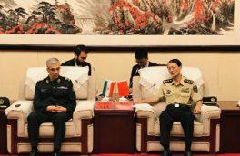 ایران آماده انتقال تجربیات خود به دانشگاه دفاع ملی چین است
