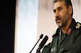 دشمن به دنبال تسلیم کردن ملت ایران است