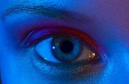 نور آبی صفحه تلفن همراه میتواند به چشمها آسیب برساند