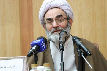 حمله به آرمانهای انقلاب هدف مستکبران است
