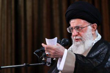 رهبر انقلاب: با آنکه میتوانستیم، در راه ساخت بمب اتم وارد نشدیم/ ساخت و نگهداری این سلاح مطلقاً حرام است