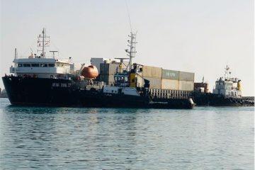 کشتی ۲۷۰۰ تنی در بندر دیر پهلو گرفت