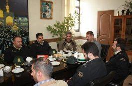 نشست صمیمی هئیت رئیسه انجمن هنرهای نمایشی استان تهران و نادر نیک خواه با هنرمندان هنرهای نمایشی