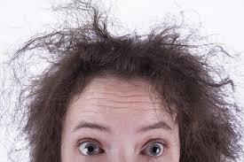 علت خشک و شکننده بودن موی سر