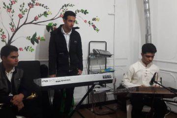 اجرای زنده گروه موسیقی مانوش به سرپرستی محمّدامین فردوسی در انجمن معلولین شاهین شهر