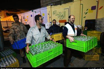 مددجویان کمیته امداد اصفهان اقلام بهداشتی دریافت میکنند