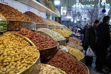 بازار خشکبار و شکلات شب عید متاثر از ویروس کرونا / نرخ شکلات و آجیل مشخص شد