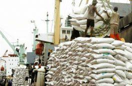 انتقاد واردکنندگان از عدم تخصیص ارز برای واردات برنج توسط سوی بانک مرکزی