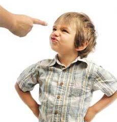 چهار اشتباهی که در زمینه تربیت فرزند انجام میدهیم